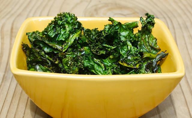 homemade crispy baked kale | vegetarian eats & treats | Pinterest