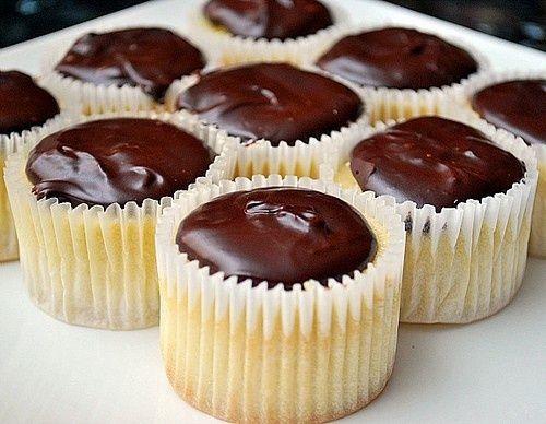 Boston Cream Pie Cupcakes | cake
