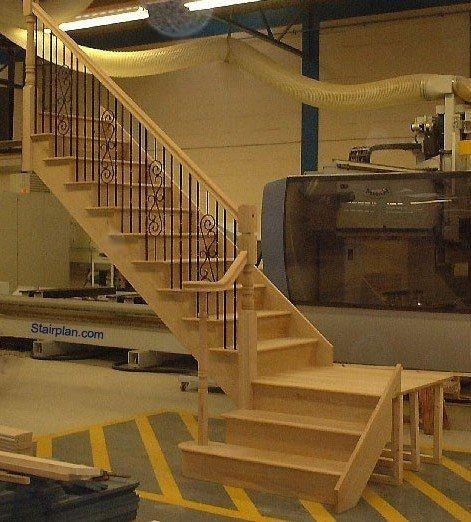 Quarter turn staircase idea staircases pinterest for Quarter landing staircase