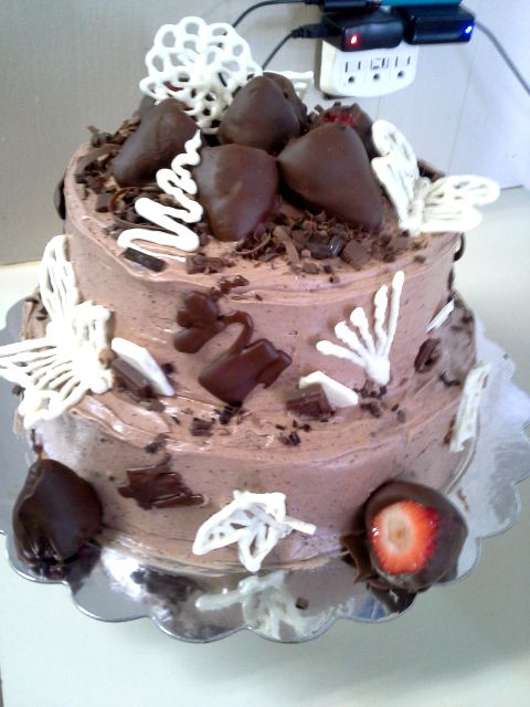 chocolate chip & sliced strawberry filling, chocolate cream cheese ...