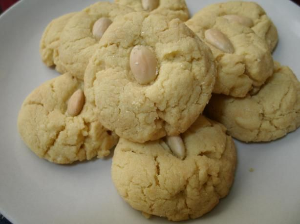 Chinese Almond Cookies - A friend made these, and they were yummy!