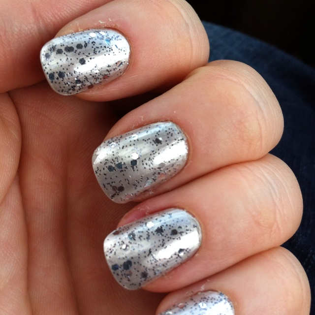 Sparkle Nails!!