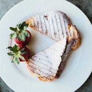 Grilled Cheese With Mascarpone, Apricots And Chocolate - Don't let the ...