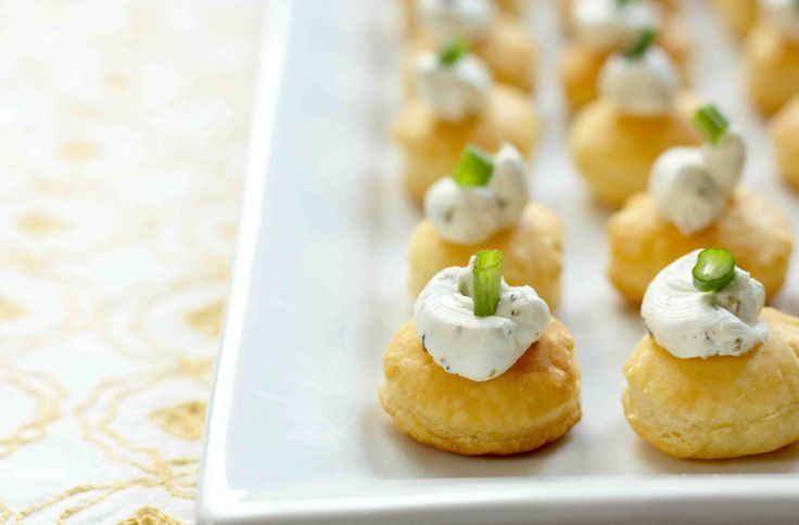 EAT DRINK PRETTY: Goat cheese puff pastry bites. Puff pastry cut into ...