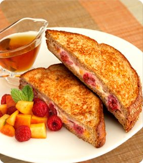 healthy stuffed french toast. stuff with peaches, raspberries and low ...
