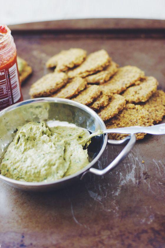 Spicy White Bean & Avocado Hummus with Cheesy Quinoa crackers! (Gluten ...