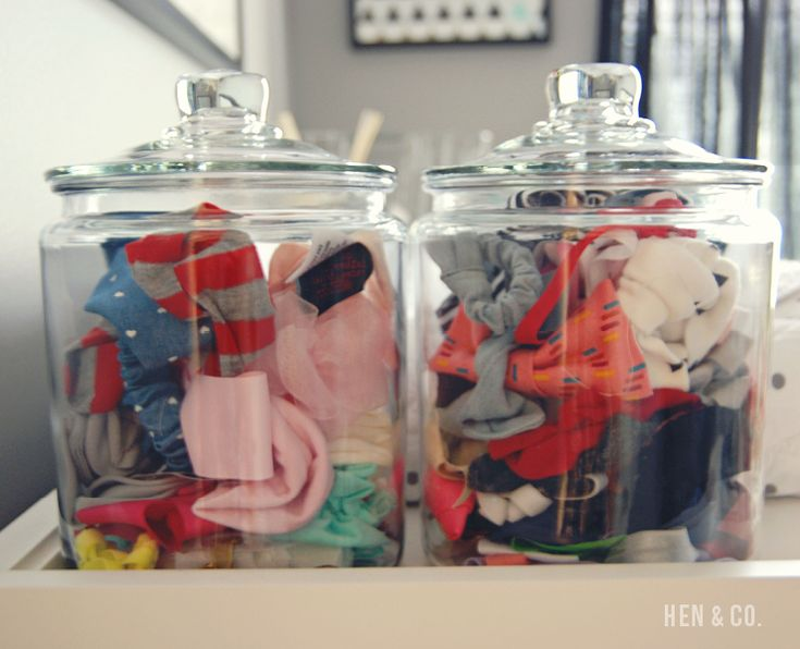 Cute! Store all those headbands and bows in a glass jar!