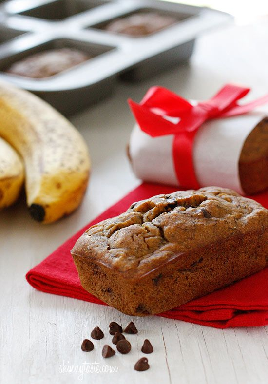 Petite Chocolate Chip Banana Bread Loaves #dessert #gift #kidfriendly ...