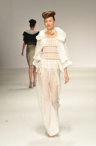 2014 S/S | YUKIKO HANAI | Mercedes-Benz Fashion Week TOKYO