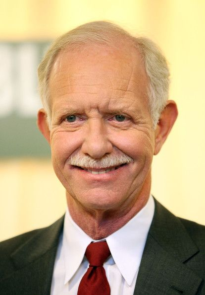 Essay:Chesley Sullenberger is not a Hero