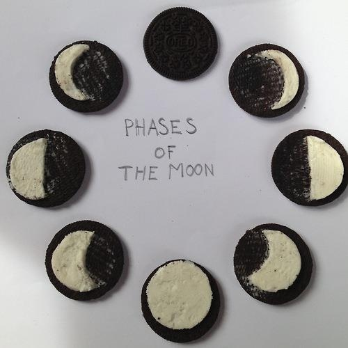 Phases of the moon on oreos :9 | Yummy for my Tummy | Pinterest