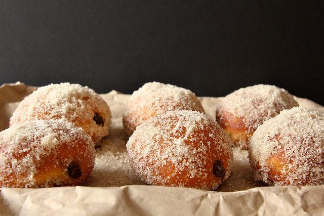 CHOCOLATE CREAM FILLED VANILLA SUGAR DOUGHNUTS | Looks Delicious ...