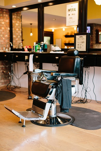 Barber Shop In Anaheim : Barbeer - Anaheim Favorite Southern California Shops, Bars, and Res ...