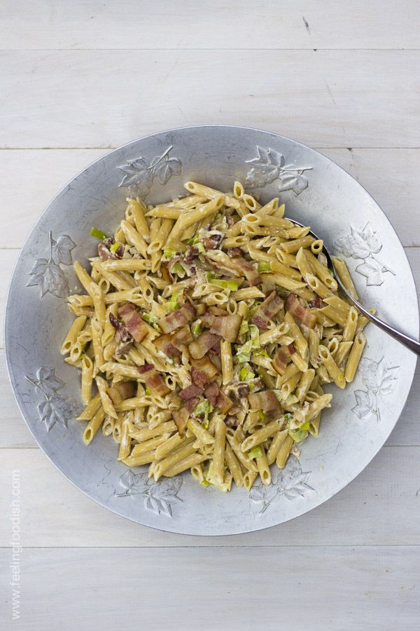 ... and quick... pasta with bacon, cheese, and leeks | Feelingfoodish.com