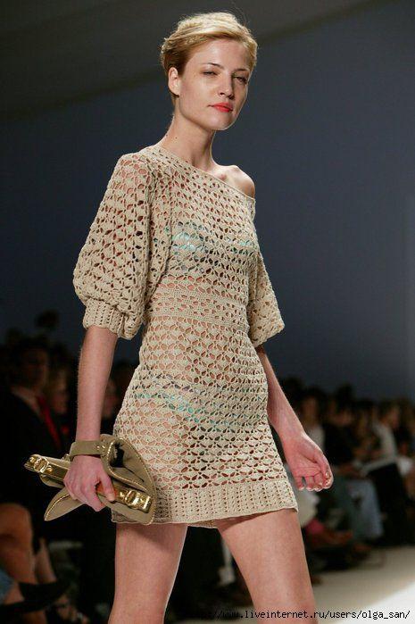 Песочные часы - платье крючком от Carlos Miele лето 2008. Вяжут на Осинке http://club.osinka.ru/topic-76056