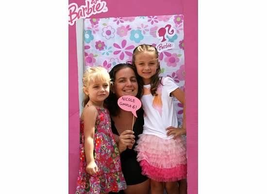Barbie box photo booth birthday ideas nicole y chiara pintere