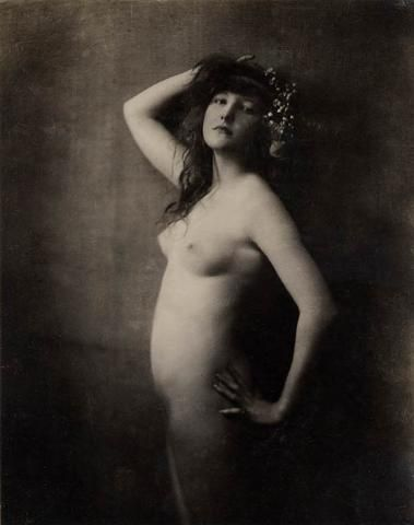 Rare nude study of Evelyn Nesbit Thaw [maybe] by Rudolf Eickemeyer Jr.