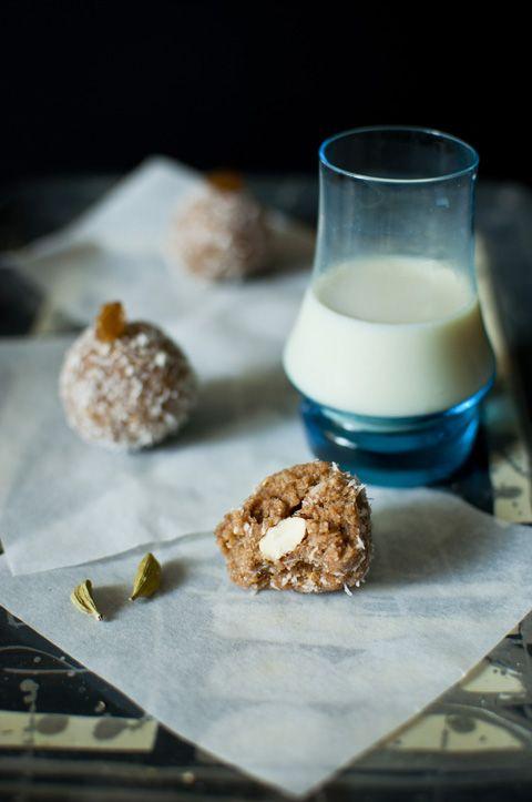 ... into powder..5 cardamon,honey,then add coconut flames form into balls