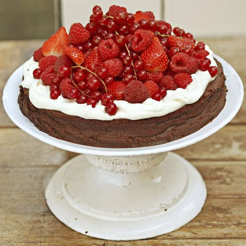 flourles chocolate-cake with creme fraiche & summer berries