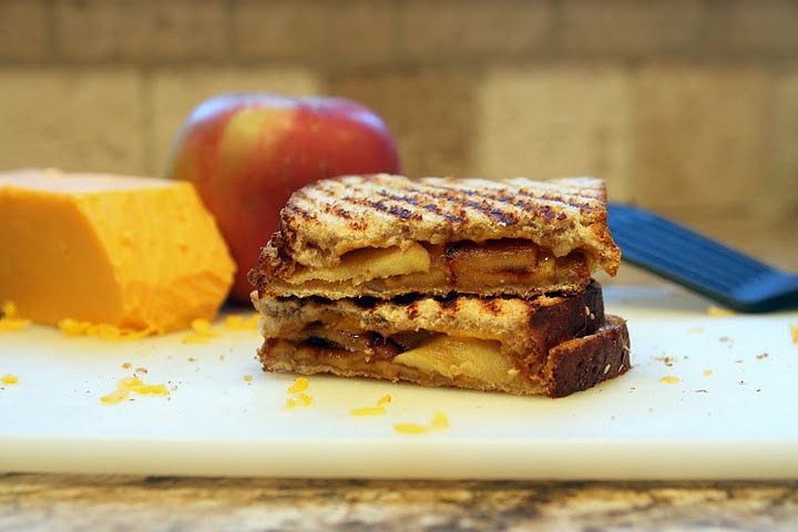 Caramelized Apple and Cheddar Panini | Foodage | Pinterest