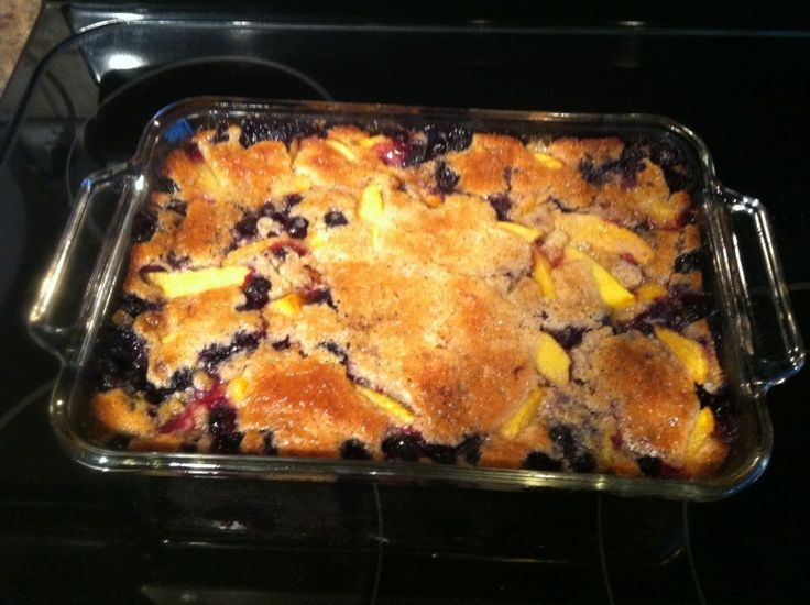 Blueberry Peach Cobbler | I must cook/bake this | Pinterest