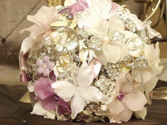 Brooch Bouquet by Nicolasa Cicero
