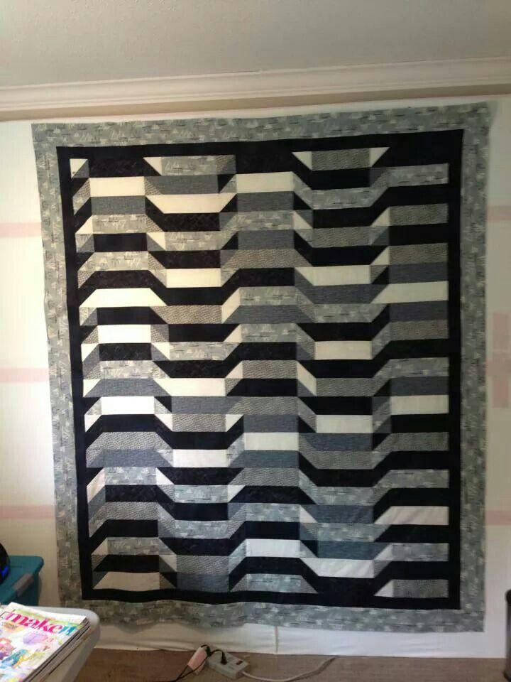 Black white gray quilt modern black and white quilts for Black white and gray quilt patterns