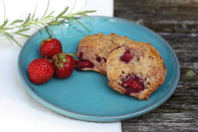 strawberry, lemon & rosemary scones | Recipes - Sweet | Pinterest