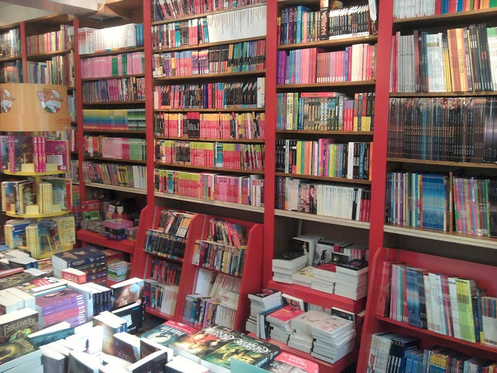 Librairie Ars Una. From 20 + Best English Bookstores in Paris