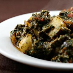 Saag aloo, Indian spiced potatoes with spinach -- a perfect side dish ...