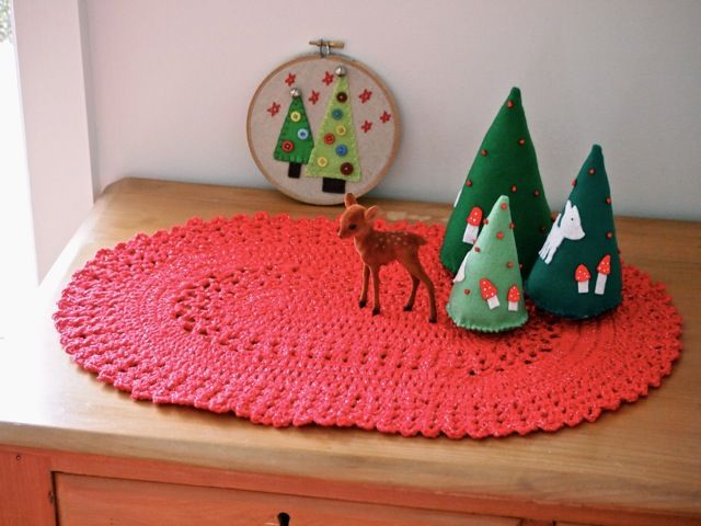 Free Crochet Patterns For Christmas Table Runners : table runner: NEW 403 TABLE RUNNER PATTERNS PINTEREST