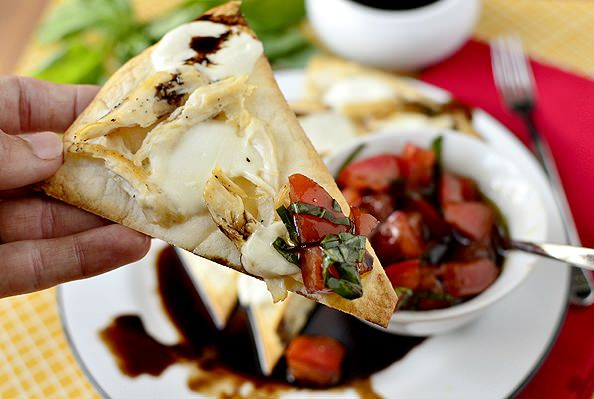 Caprese Chicken Nachos with Marinated Tomatoes and Balsamic Reduction ...