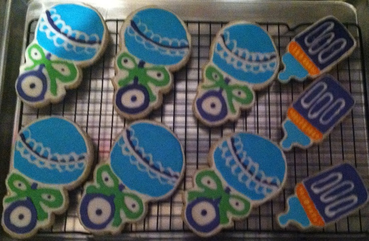 Baby Shower sugar cookies, rattles and baby bottles. Yummy cookies and ...