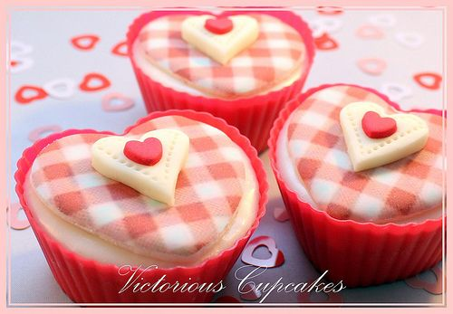 Victorious Valentines Gingham Cupcakes