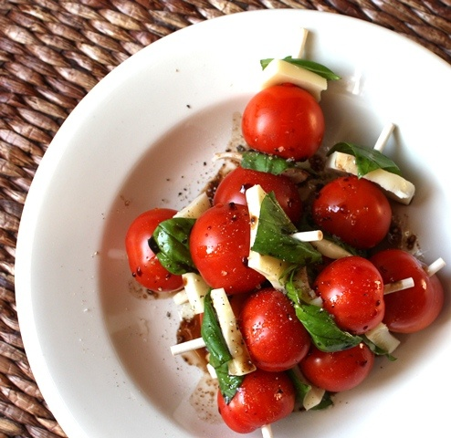 Caprese Skewers. | Appetizers and sides | Pinterest