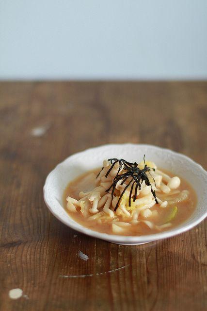 Mochachocolata Rita: Mushrooms & Napa Cabbage Miso Soup
