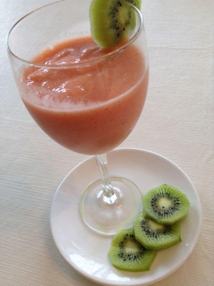 Strawberry Kiwi Smoothie ;)