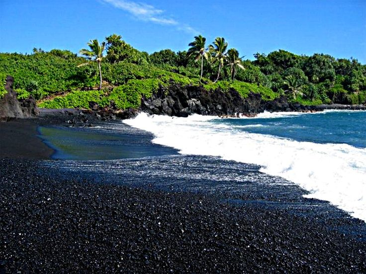 Black sand beach in maui hawaii places i love pinterest Black sand beach hawaii