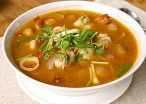 Tom Yum Soup - Easy Vegetarian Thai Soup #Tom-Yum #Thai-Soup