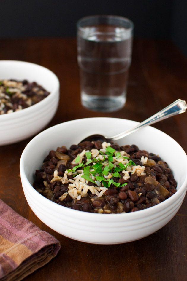 Black Bean Soup | tamingofthespoon.com