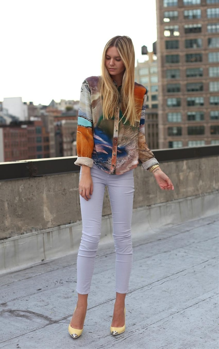 Jessica from Tuula styles J Brand pastel denim with a bright printed top - wearing J Brand 835 in Heliotrope.