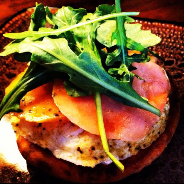 Egg white , smoked salmon, arugula all on a multigrain muffin.;)