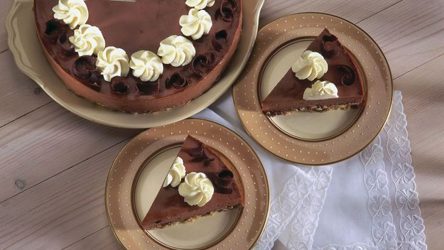 Mary Berry: Chocolate chip cheesecake | Sweet recipes | Pinterest
