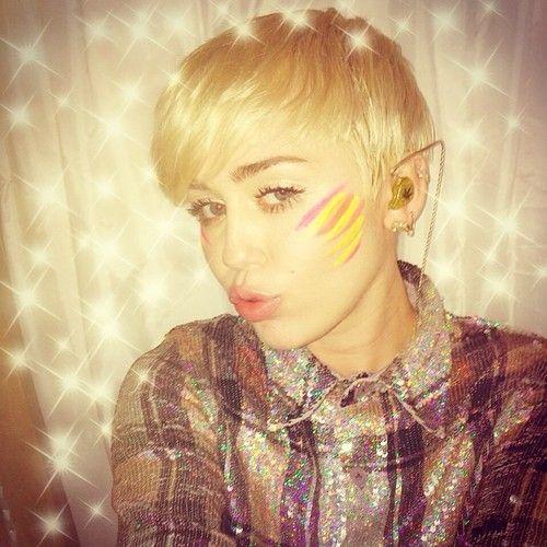 instagram   MILEY CYRU... Miley Cyrus Instagram