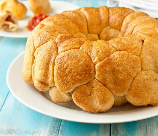 Pepperoni Pizza Monkey Bread recipe | FOOD from A ta Z | Pinterest