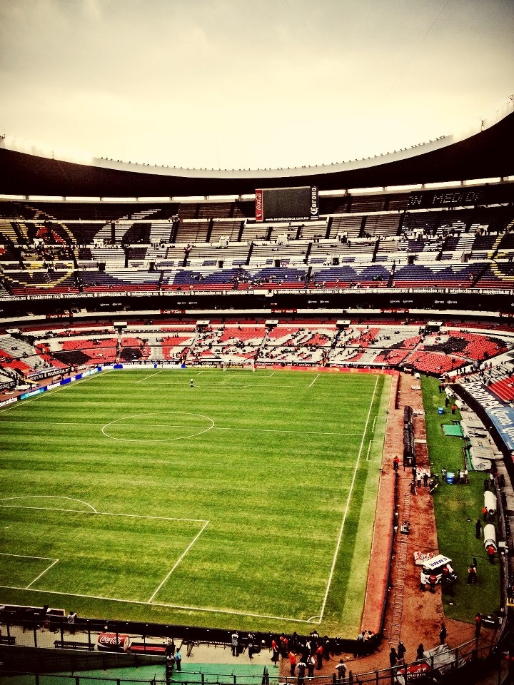 Estadio Azteca One day ill b in those stands watching mexico win