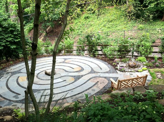Pin by issa urra on heal pinterest for Garden labyrinth designs