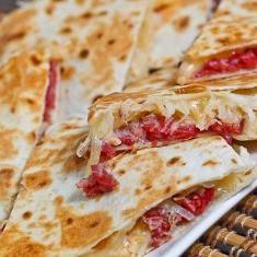 Reuben Quesadillas (via www.foodily.com/r/dOqZYSfkT)