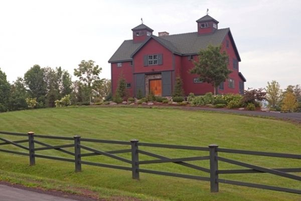 Red Barn Style House With Black Trims Favorite Houses