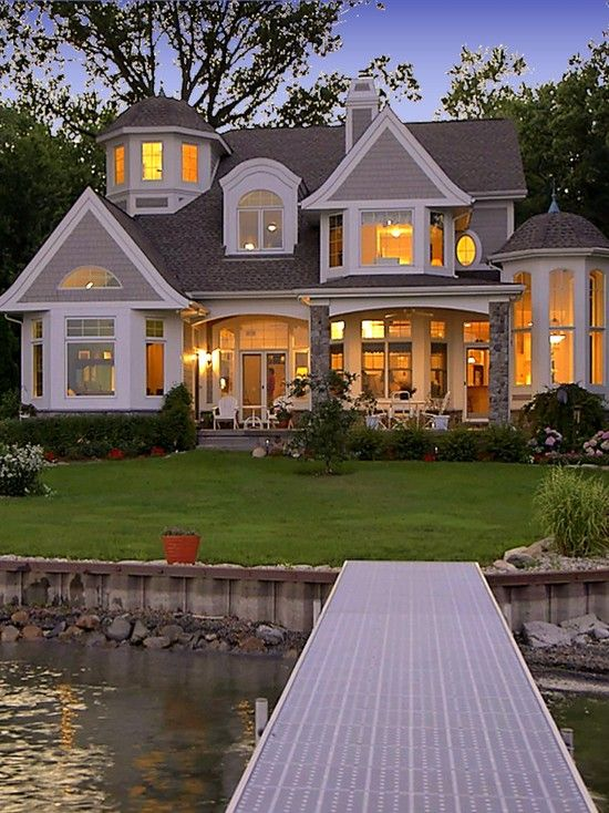 Love the house and the fact that its by the water though. 4852331143d75550feb71c704ba753e2